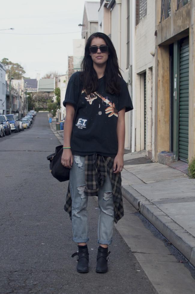 ways to style ripped boyfriend jeans grunge